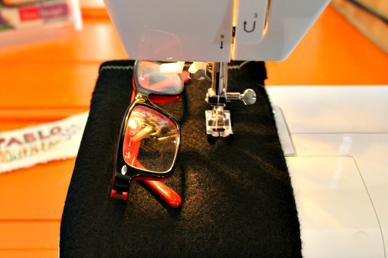 glasses case machine