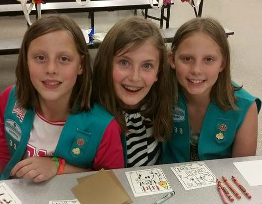 nikki-zoe-lexi-girlscouts
