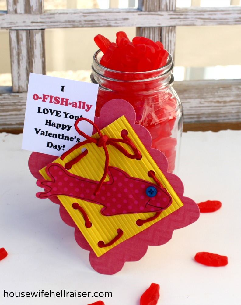 DIY Gummy Fish Valentines with Free Printable - Dude, That\'s Dope